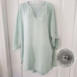 est 1946 mint sheer vneck hi low blouse size 22/24